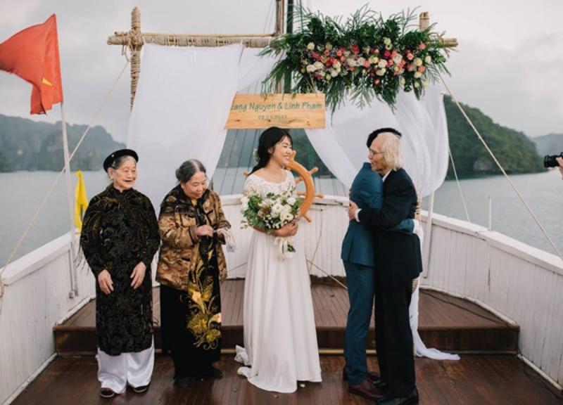 Mơ thấy đang tham dự hôn lễ trên du thuyền tại Hạ Long đánh con số tài lộc 01 - 04