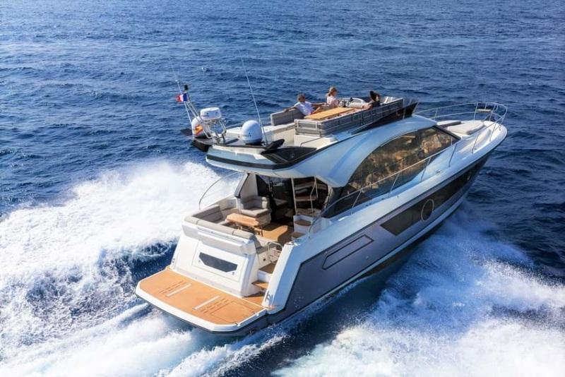 Giấc mơ thấy sau khi sở hữu du thuyền, bạn đã dùng nó để lênh đênh khám phá biển