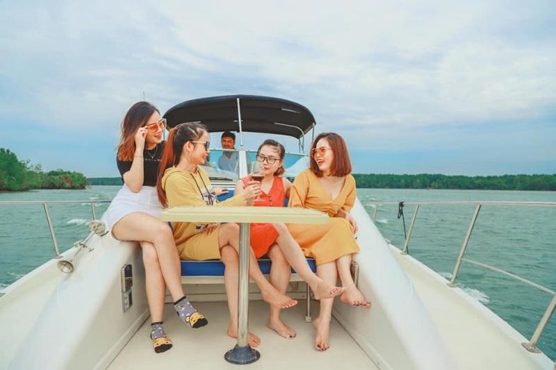 Chiêm bao thấy đang tổ chức party trên du thuyền của mình đánh con số 11 - 14