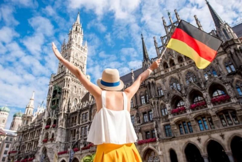 Giấc mơ thấy đi Đức chứng tỏ chủ mộng là người yêu thích cuộc sống tự do thoải mái